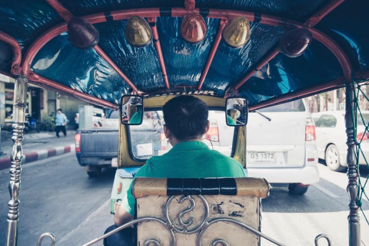 Largo ai Bajaj, i veicoli a tre ruote che spopolano nelle città africane